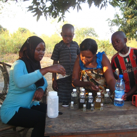 Teaching-a-family-about-water