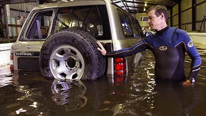 How easily a 4WD can be moved once buoyant in floodwater.